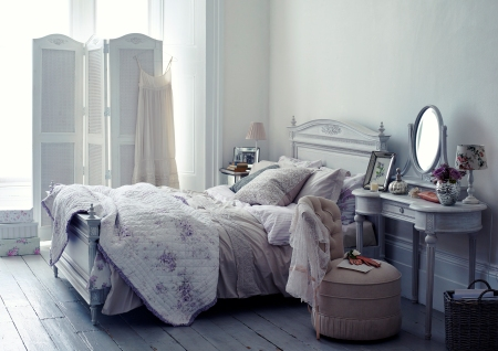 Shabby Chic bedroom, Photography by Jake Curtis, Styling by Hannah Simmons